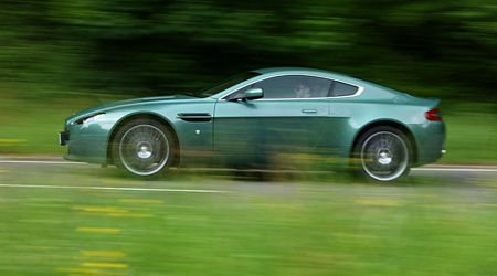 tn_2AstonMartinV8Vantage.jpg